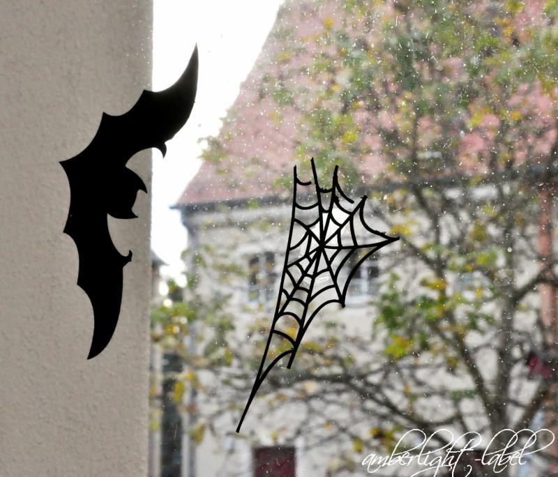 Fensterdeko Halloween Fledermaus und Spinnennetz