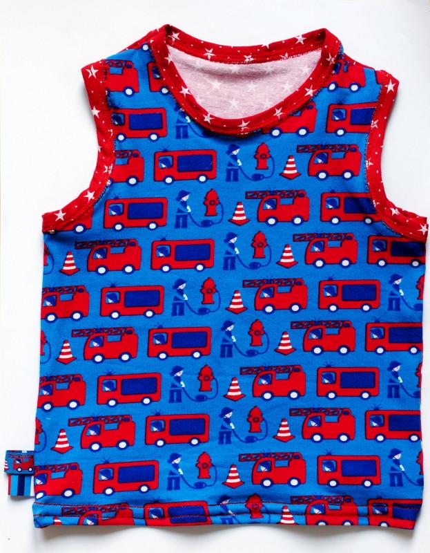 Designbeispiel Tatü-Tata: Ärmelloses Shirt (Ottobre 3/2006)