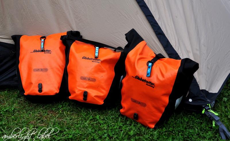 Elternzeitreise Camping mit drei Kindern Kindergepäck Taschenmarkierer