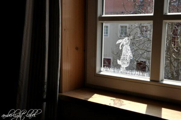 Fensterbild Kreidemarker Ostern Osterhase Freebie vom Frechverlag