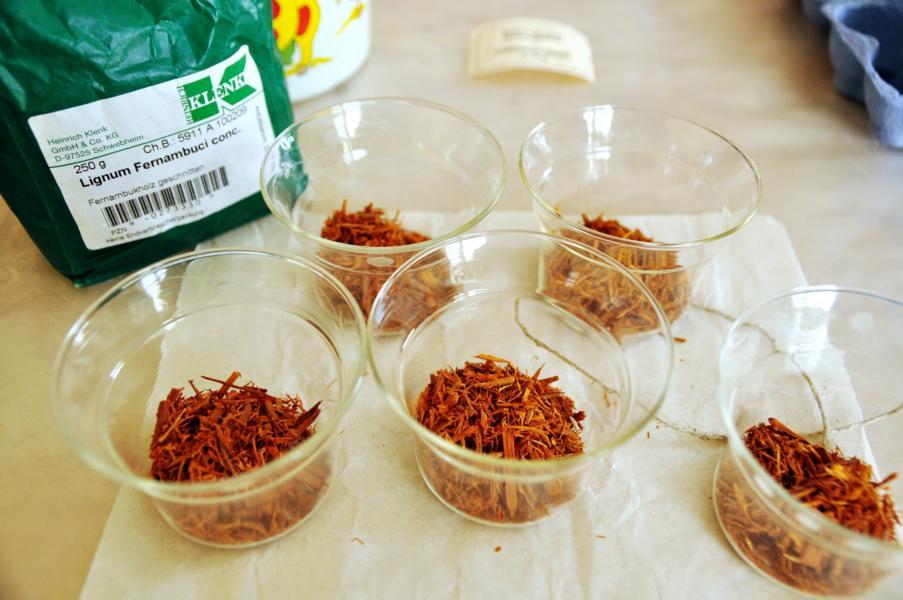 Pflanzenfärbung Ostereier: Rotholzeier – Hessische Art