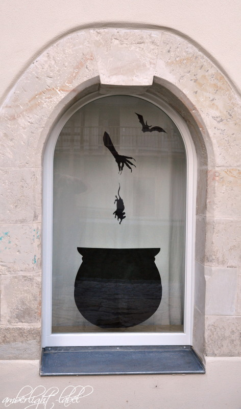 Fensterdeko Halloween Hexenkessel mit Ratte