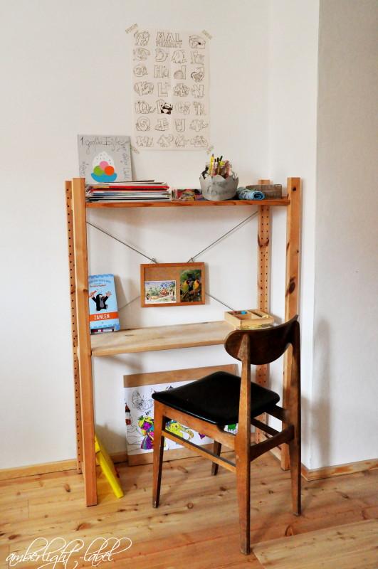 Ikea Hacker: Schreibtisch aus dem Ivar Regal