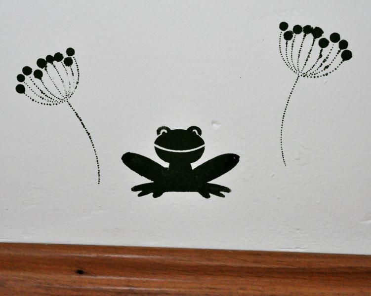 Kinderzimmer: Frosch an der Wand