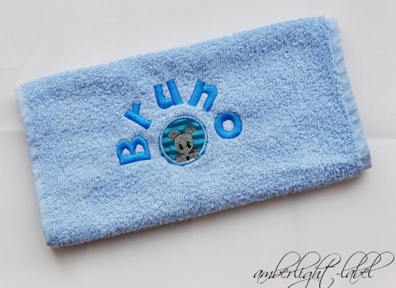 Kindergeburtstagsgeschenk: personalisiertes Handtuch