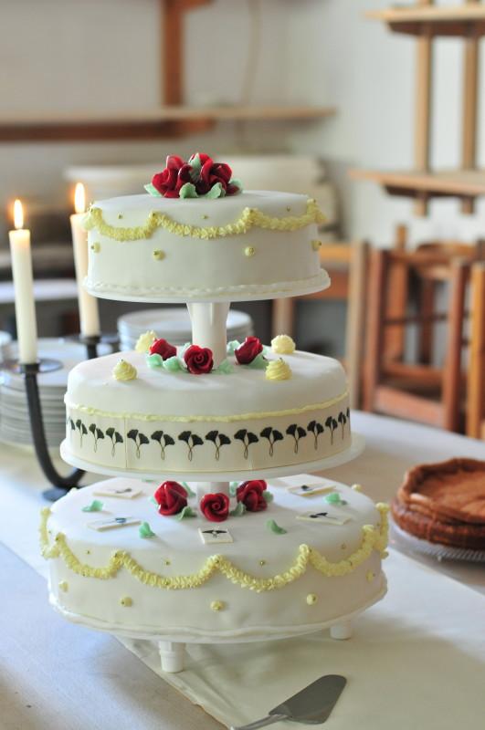 Sonntagssüß mit Hochzeitstorte